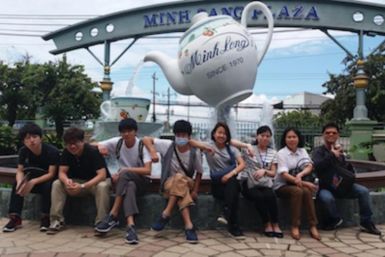 Students from Shizuoka University at Minh Long factory